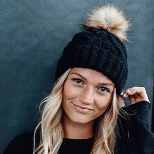 Black Cable Knit Beanie Hat w/ Faux Fur Pompom